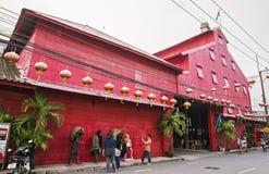SONGKLA Thailand - OKTOBER 24: Navhackan Hin, röda ris maler växt, S royaltyfria bilder