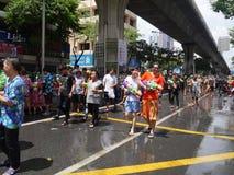 Songkran在Silom路的水节日 免版税库存图片