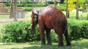 Songkran节日庆祝与大象在阿尤特拉利夫雷斯 库存照片