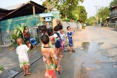 Songkran festival i Thailand Arkivbilder