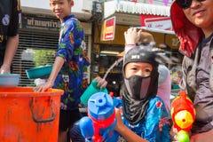 Songkran festival på April 14, 2015 Chiangmai, Thailand Arkivfoton