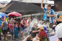 Songkran festival på April 14, 2015 Chiangmai, Thailand Royaltyfria Bilder