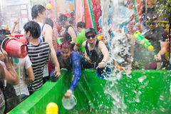 Songkran festival på April 14, 2015 Chiangmai, Thailand Royaltyfria Foton