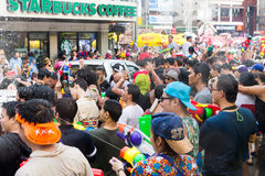 Songkran festival på April 14, 2015 Chiangmai, Thailand Arkivbild