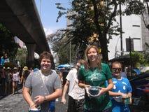 Songkran-Festival an Silom-Straße in Bangkok im April 2012 Lizenzfreies Stockbild