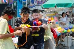 Songkran het schieten Royalty-vrije Stock Foto's