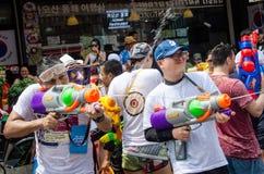 Songkran strzelający Fotografia Stock