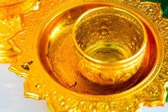Songkranfestival in Thailand, het gebruik het water die aan Boedha gieten royalty-vrije stock afbeeldingen