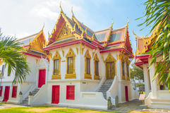 Songphanuad霍尔,在大理石寺庙的Phrathinanagsongphanuad 免版税库存图片