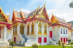 Songphanuad Hall, Phrathinanagsongphanuad på marmortemplet royaltyfri fotografi