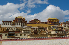 Songzanlin tibetanisches Kloster, Shangrila, Porzellan Lizenzfreie Stockfotos