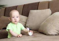 Sonhador pequeno do bebê Fotos de Stock