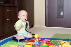 Sonhador pequeno do bebê Fotografia de Stock