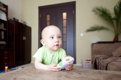 Sonhador pequeno do bebê Imagens de Stock