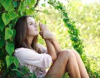 Sonhando menina charming fotos de stock