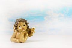 Sonhando o anjo da guarda em um fundo; ideia para um carro do cumprimento Imagem de Stock
