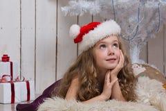 Sonhar pequeno da menina Fotos de Stock Royalty Free