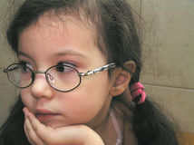 Sonhar pequeno da menina imagens de stock royalty free