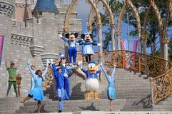 Sonho junto com a mostra de Mickey no mundo de Disney Fotografia de Stock