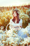 Sonho no por do sol no campo Imagens de Stock