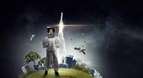 Sonho para explorar o espaço Meios mistos foto de stock