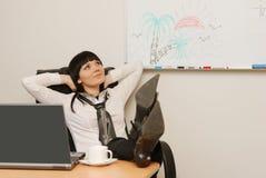 Sonhos novos da mulher de negócios de umas férias de verão Imagem de Stock Royalty Free