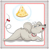Sonhos pequenos 'sexy' do rato de uma parte grande de queijo Fotos de Stock Royalty Free