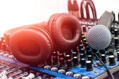 Sonido audio del mezclador imagen de archivo libre de regalías