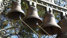 Sonido de campanas en la iglesia ortodoxa almacen de video