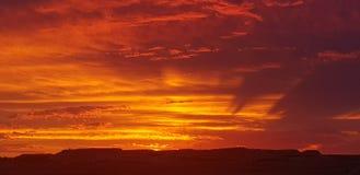 Sonne COOBER PEDY Süd-Australien-Farbkätzchen stockbilder