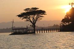 Sonne stellt Rangamati ein stockbild