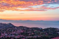 Sonnenaufgang über Agerola lizenzfreie stockfotografie