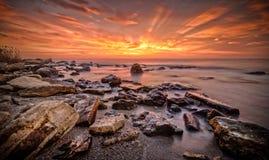 Sonnenaufgang über dem Fitchossa Varna Bulgarien lizenzfreies stockfoto