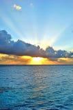 Sonnenaufgang über dem Indischen Ozean Lizenzfreie Stockfotografie