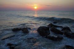 Sonnenaufgang über dem Meer stockfotografie