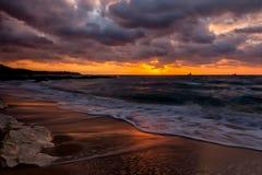 Sonnenaufgang über dem Meer Stockbilder