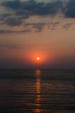 Sonnenaufgang über dem Meer morgens Stockbilder