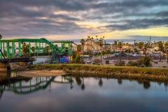 Sonnenaufgang über den Santa Cruz-Skylinen stockfoto