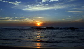 Sonnenaufgang über der südlichen Hemisphäre des Ozeans Lizenzfreie Stockfotos