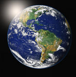 Sonnenaufgang über Erde
