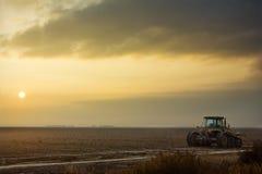 Sonnenaufgang über Feld Stockfoto