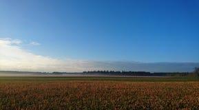 Sonnenaufgang über Feldern im Bayern Lizenzfreies Stockfoto