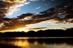 Sonnenaufgang über Flachkopf Lizenzfreie Stockfotos