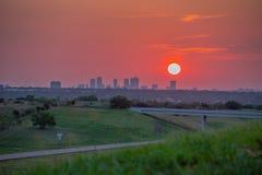 Sonnenaufgang über Ft wert Stockfoto