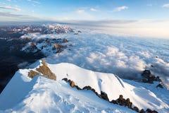 Sonnenaufgang über Gebirgsspitzen bewölkt Huayna Potosi, Bolivien Tourismus Lizenzfreie Stockfotografie