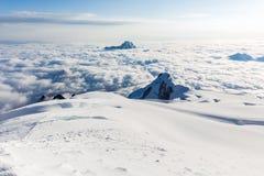 Sonnenaufgang über Gebirgsspitzen bewölkt Huayna Potosi, Bolivien Tourismus Lizenzfreies Stockfoto
