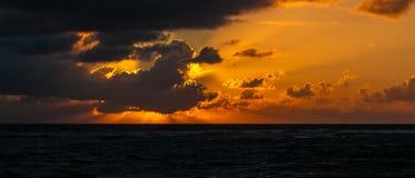 Sonnenaufgang über karibischem meeres- Mexiko stockbild