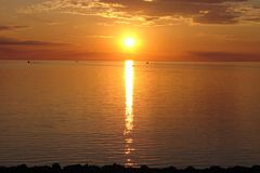 Sonnenaufgang über Lake Superior Stockfotografie