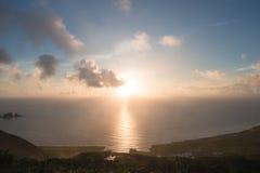Sonnenaufgang über Meer stockfoto