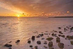 Sonnenaufgang über Meer auf Texel-Insel in den Niederlanden Stockfotografie